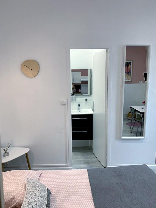 Studio Rose - Coin nuit et salle d'eau à louer - Dax